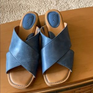 Like new Boc blue leather slide sandals